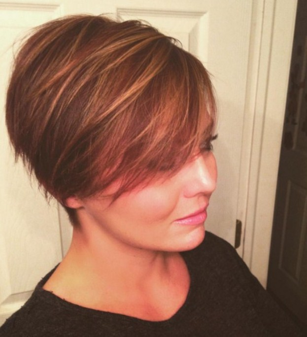 Cute-Easy-Pixie-Hairstyles-for-Women-Short-Haircut-for-Round-Faces