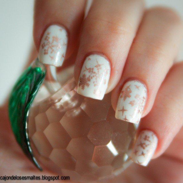 snowflakes-nail-art-1-640x640