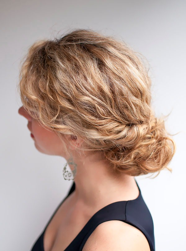 Hair-Romance-curly-hair-tutorial-the-twist-tuck-bun