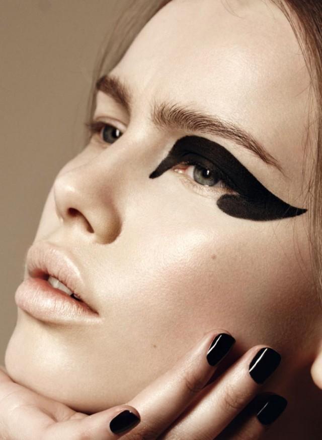 eyeliner3-640x872