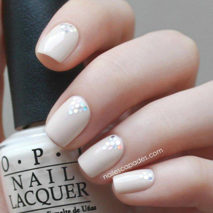 nail-art-opi-chanel-glitter-triangles-1_zps2b666ade-718x718