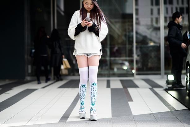 05-fashion-week-tokyo-street-style-fall-2015-06