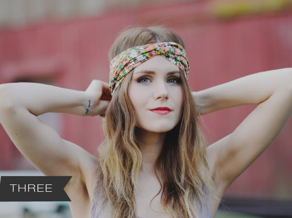Long-Wavy-Hairstyle-with-Turban-Scarf-3