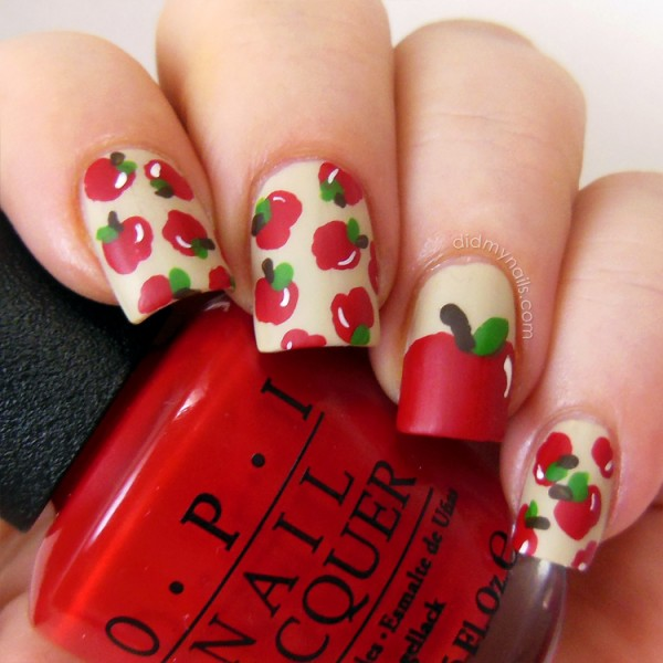 fall-nail-art-ideas-apples-didmynails-600x600