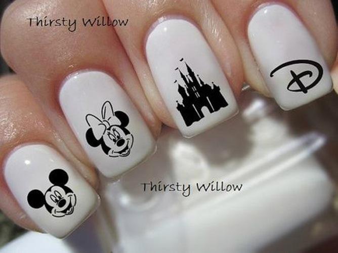 disney-manicure