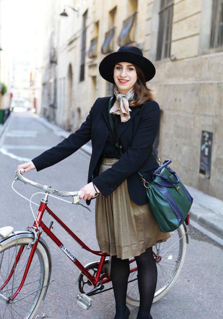 Модная женская одежда для велопрогулок