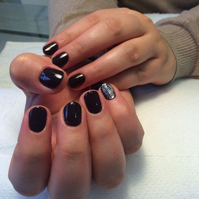 dark-manicure-05