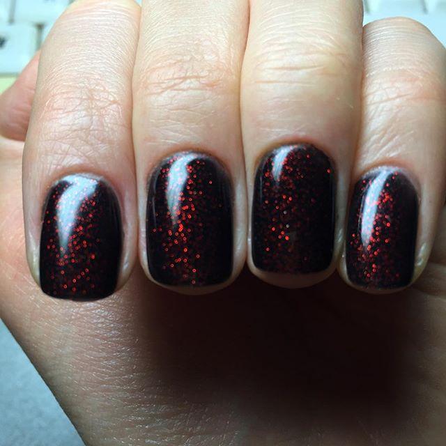dark-manicure-07
