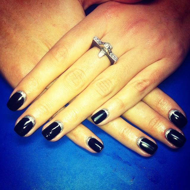 dark-manicure-076