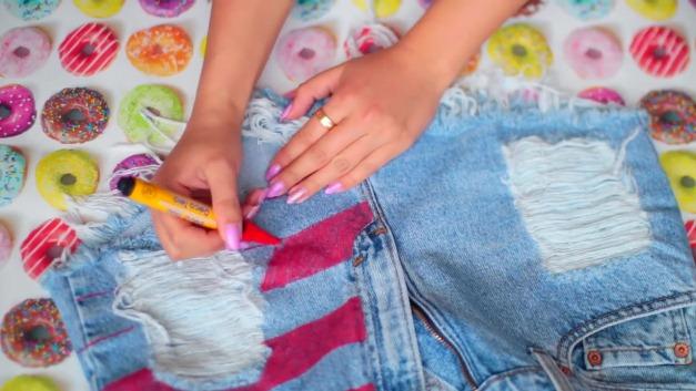 DIY-Tumblr-Denim-Shorts-3