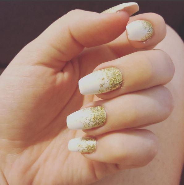 gold-white-nails-1