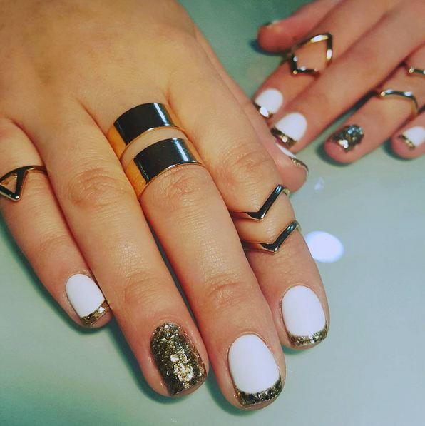 gold-white-nails-11