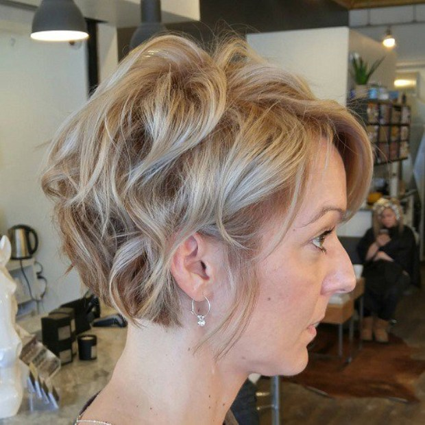 wavy-hairstyle-for-short-hair-1