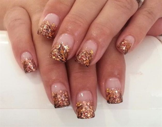 Golden-glitter-fall-nail-art