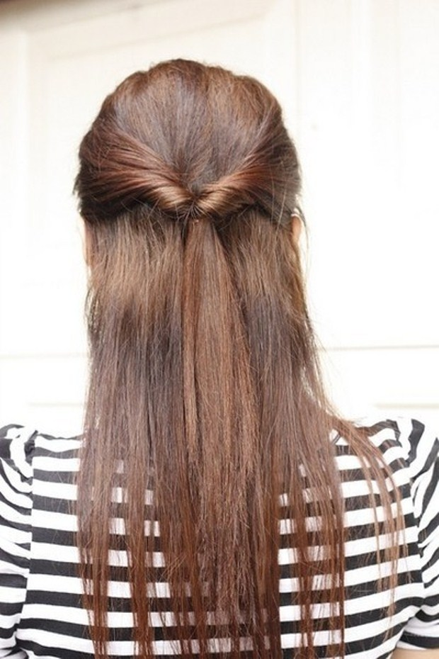 Simple-Hairstyle-for-School-or-the-Holidays