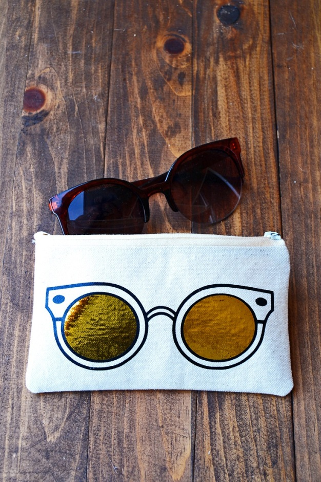 Sunglasses-Case-with-Heat-Transfer-Vinyl