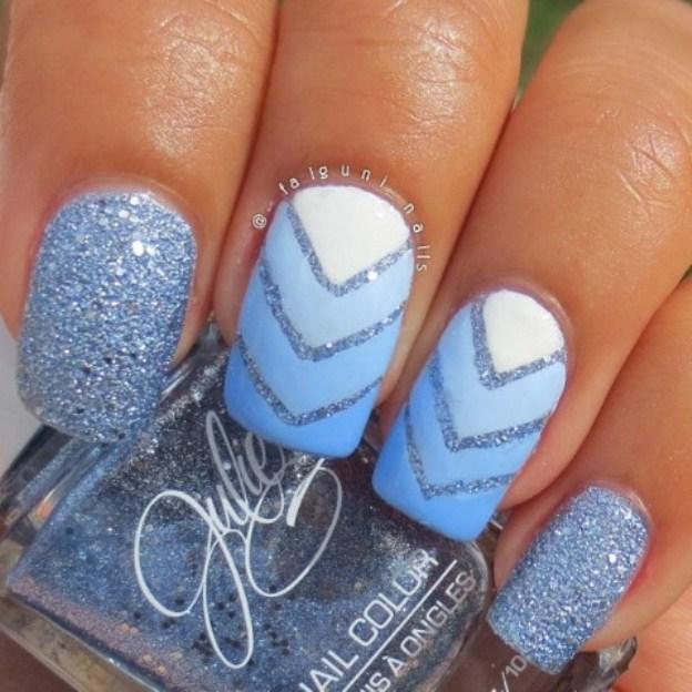 narashchivanie-nogtej-akrilom-foto-blue-glittery-design