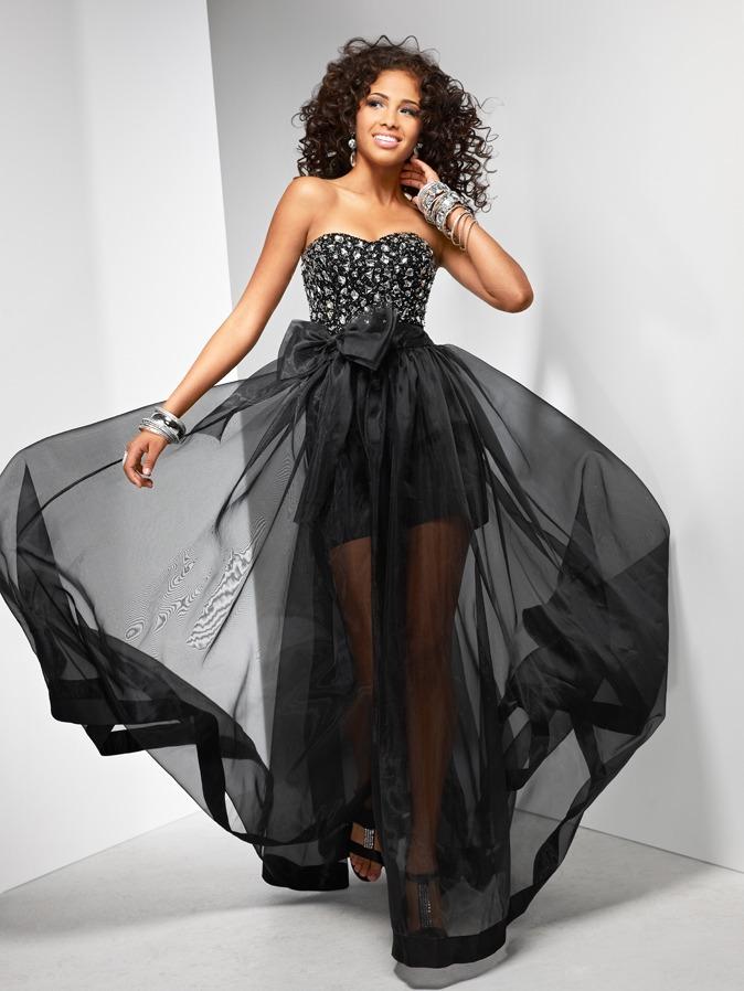 Полупрозрачное вечернее платье