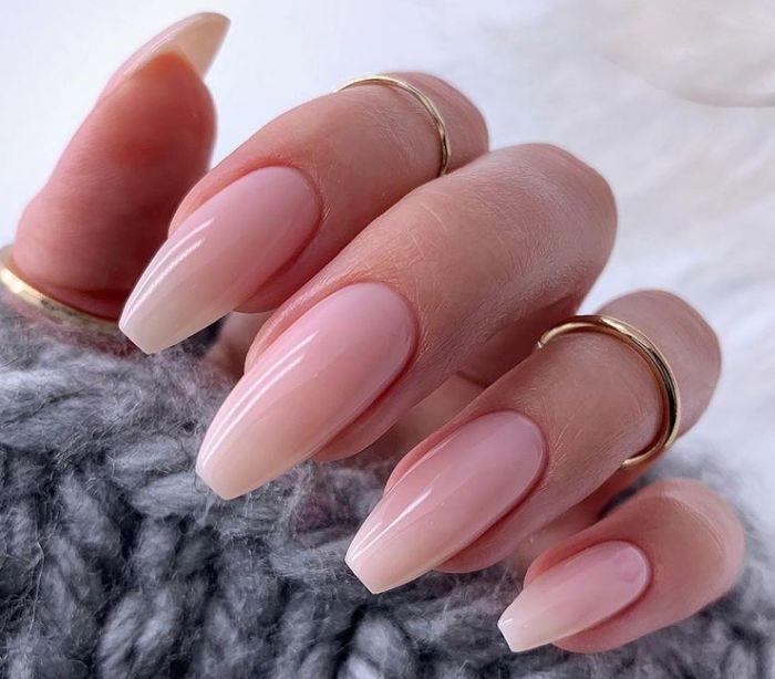 ногти формы стилет