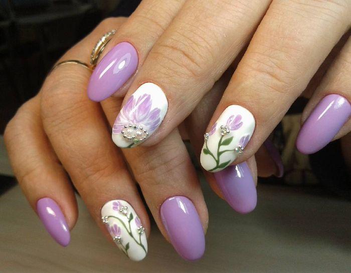 флористический дизайн ногтей на короткие ногти овальной формы