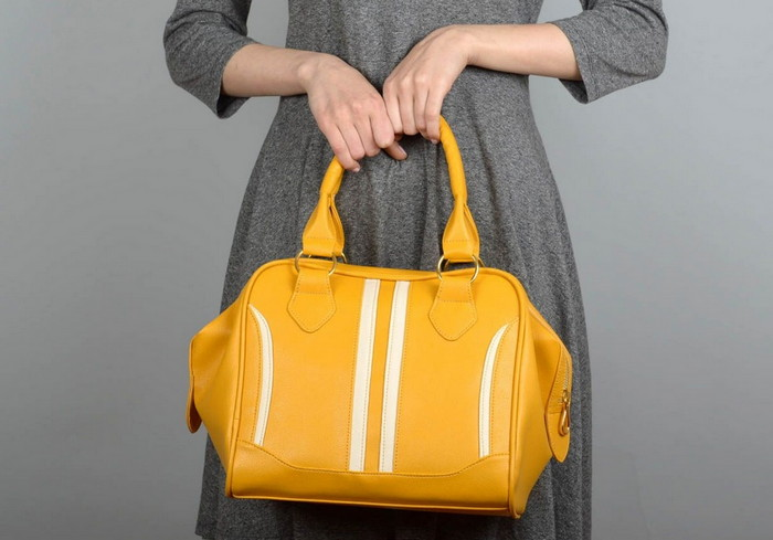 модная желтая сумка